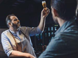 Ølsmagning ved brug af øjnene